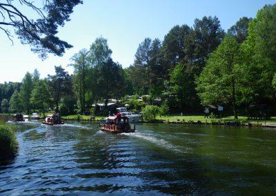 Floßtour in einem Kanal